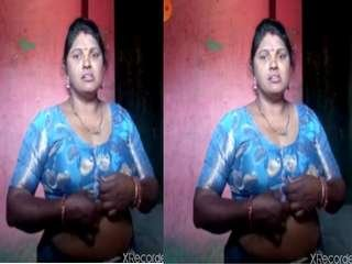 Today Exclusive -Sexy Desi Bhabhi On Video Call