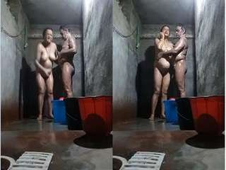 Today Exclusive- Desi Mature Cpl bathroom Romance