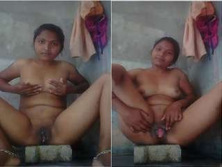 Today Exclusive- Sexy Village Bhabhi Showing Her Boobs and Pussy Part 1