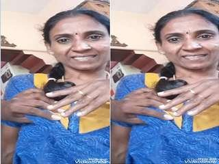 Today Exclusive- Tamil Bhabhi Brest Pressing Part 1