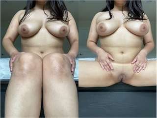 Today Exclusive- Sexy Desi Girl Showing her Boobs and Pussy