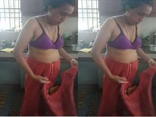 Today Exclusive- Bhabhi Changing Cloths