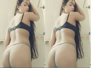 Today Exclusive-  Sexy Desi girl Showing Her Ass Part 1
