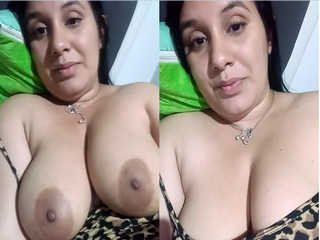 Today Exclusive- Sexy Indian Bhabhi Showing her Big Boobs And Wet pussy