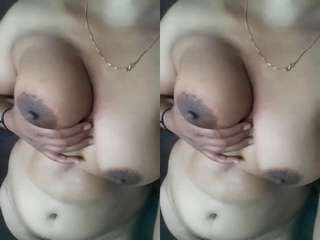 Today Exclusive- Desi Desi Village Girl Showing Her Boobs and pussy