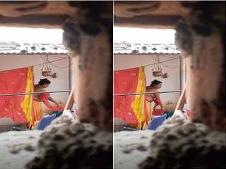 Today Exclusive- Desi Bhabhi Cahnging Cloths Record in Hidden Cam
