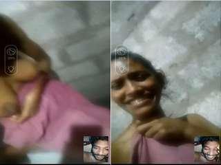 Today Exclusive- Desi Village GF Showing Her Boobs