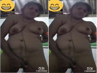 Today Exclusive-Lankan Bhabhi Showing Her Boobs and Wet Pussy To Lover On Video Call Part 1