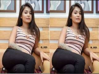 Today Exclusive-Sexy Assam Girl Showing her Boobs and Fingerring Part 3