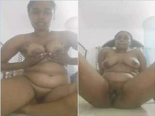 Today Exclusive- Desi Tamil Girl Showing Her Nude Body