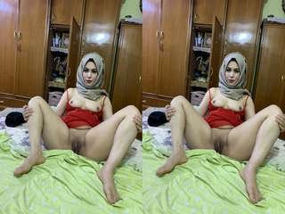 Today Exclusive- Sexy Arab Wife Showing Her Boobs and Pussy Part 4