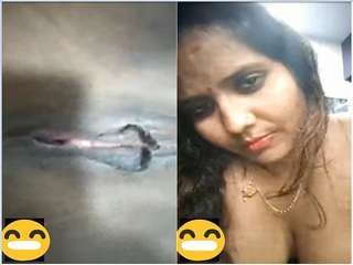Today Exclusive-Desi Cheating Bhabhi Showing Pussy to Lover On Video Call