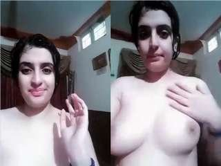 Today Exclusive- Paki Girl Record her Nude Video