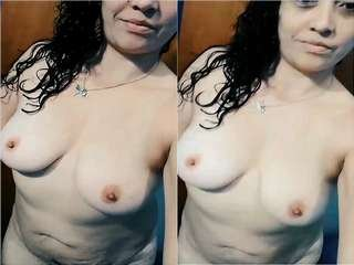 Today Exclusive -Sexy Bangla Girl Showing Her Boobs and Pussy