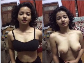 Exclusive- Cute Indian Girl Showing Her Boobs To Lover