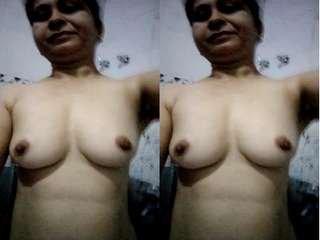 Today Exclusive – Paki Bhabhi Record her Selfie