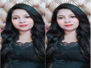Today Exclusive – Paki Bhabhi Showing her Big Boobs