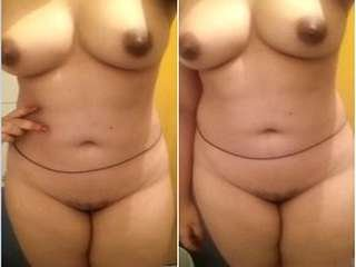 Today Exclusive- Desi Girl Record her Nude Video