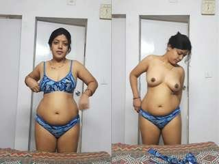 Today Exclusive- Sexy Priya Bhabhi Wearing Cloths