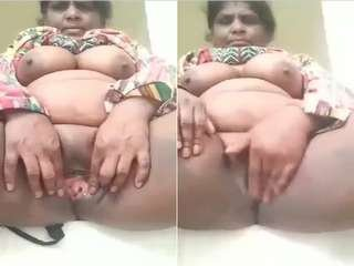 Today Exclusive- Horny Desi Bhabhi Showing Her Boobs and Pussy Part 3