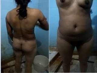 Exclusive- Desi Bhabhi Ready For Bath