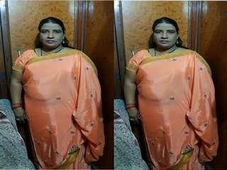 Today Exclusive- Desi BBW Randi Bhbahi Strip Her Saree and Gives Nice Blowjob To Customer