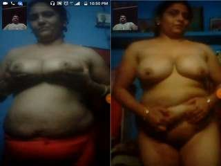 Exclusive- Horny Desi Bhabhi Showing Her Boobs And Pussy on Video Call