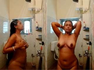 Exclusive- Sexy Desi Bhabhi Record Bathing Video For Hubby