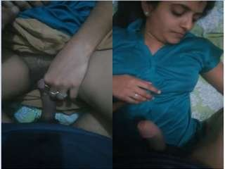 Exclusive- Super Hot Desi Bhabi Hard Sex with lover while hubby not in Home