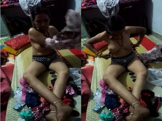 Exclusive- Desi Bhabhi Trying New Bra