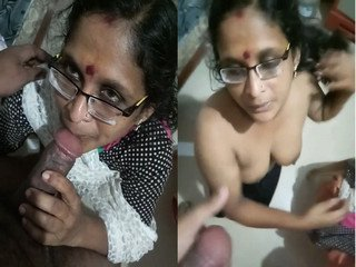 Horny Indian Milf Gives Nyc BlowJob to Boss