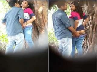 Today Exclusive- Desi Lover Standing Sex In park