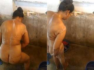 Today Exclusive- Desi Bhabhi Bathing Capture By hidden Cam