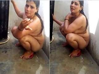 Today Exclusive-Desi Wife Nude Bathing Video Capture By Hubby