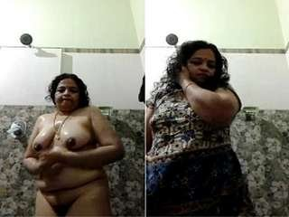 Today Exclusive- Horny Mallu Bhabhi Record Her Bathing Clips for Lover