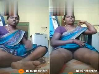 Today Exclusive- Tamil Bhabhi Showing Her Pussy On Video Call